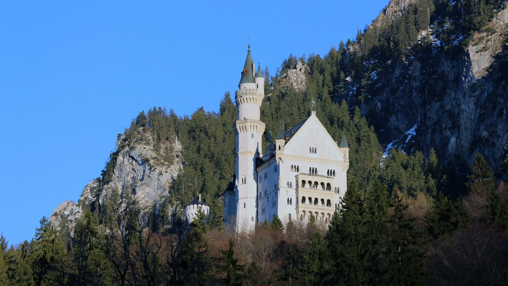 Day Trip To The Neuschwanstein Castle, Germany | Travel Vlog | Featured Image