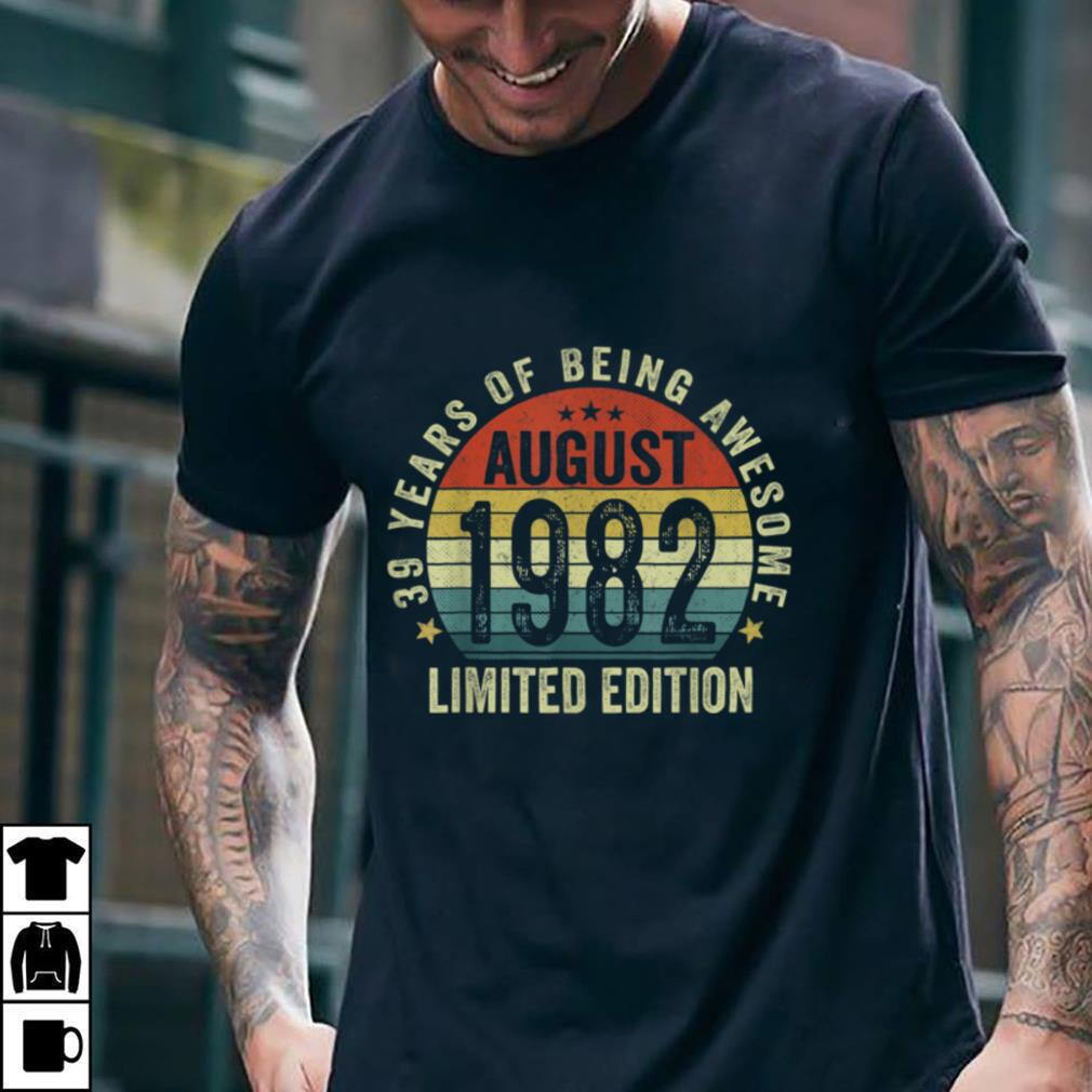 39 Years Old Decorations Vintage August 1982 39th Birthday T Shirt