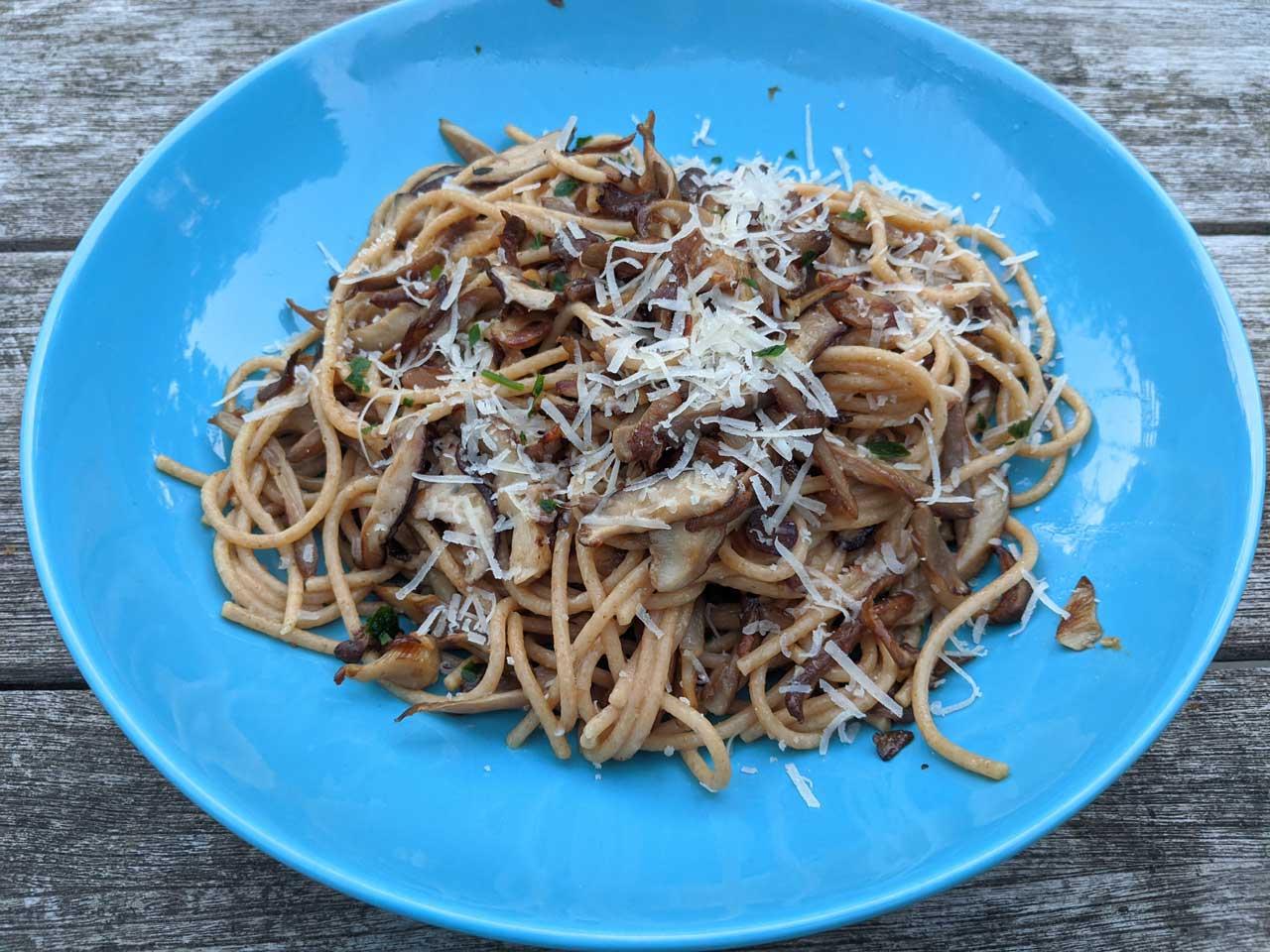 Garlicky Mushroom Spaghetti