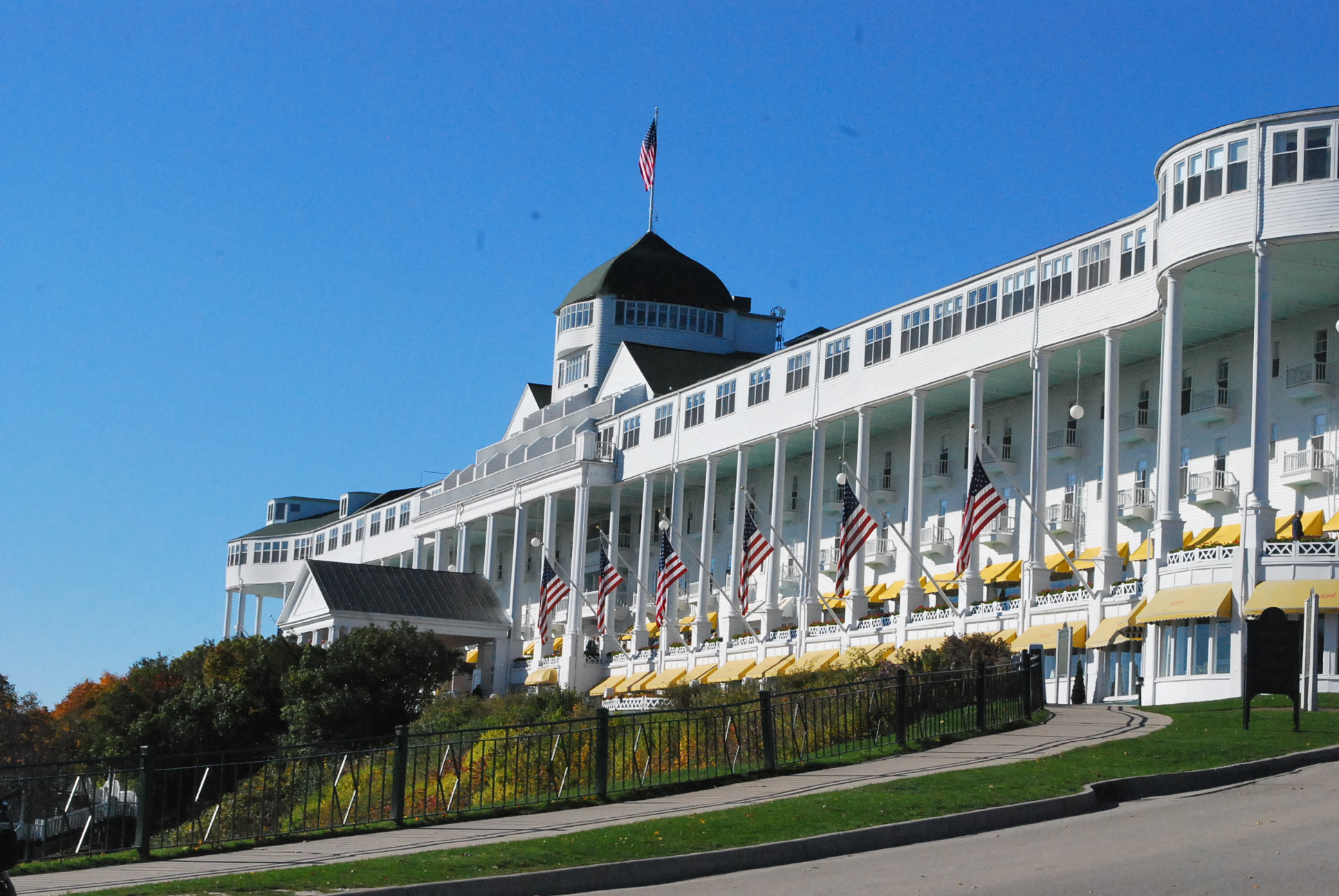 Somewhere In Time At Mackinac Island S Historic Grand Hotel World Footprints