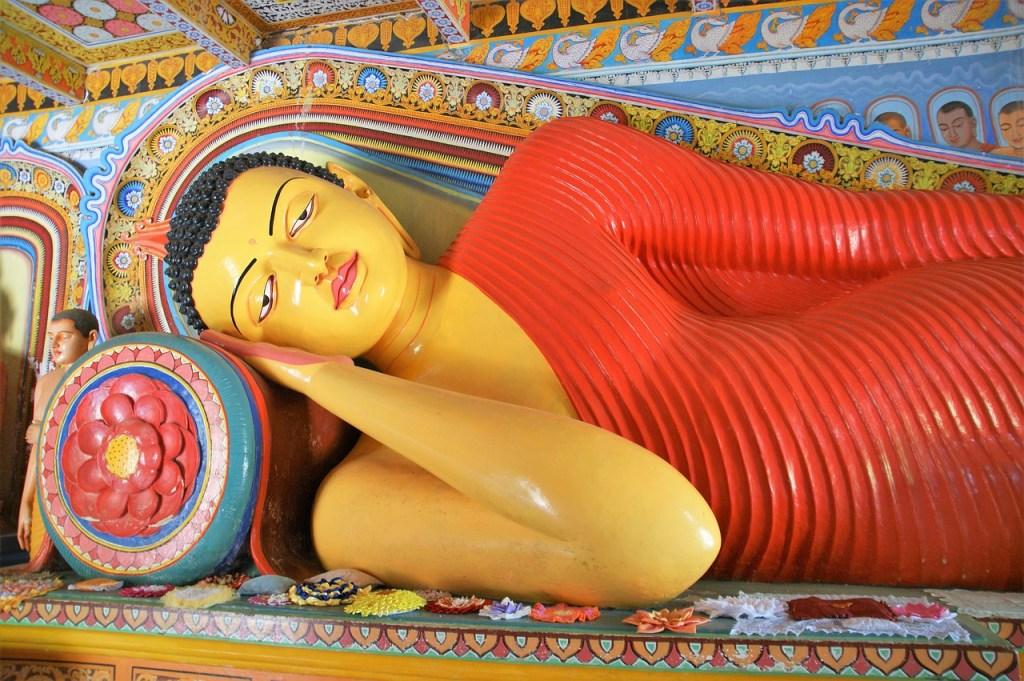 Sri Lanka temple offering