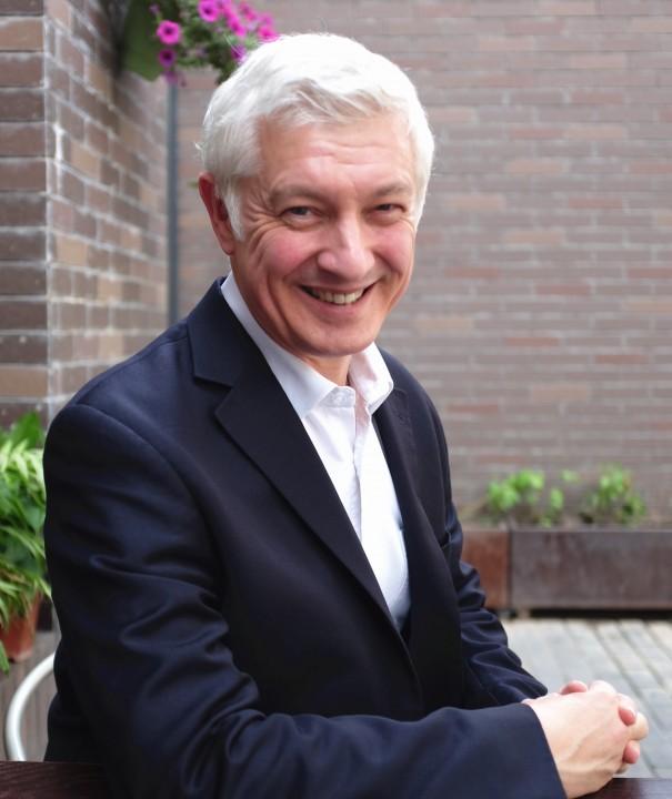 Author of Inside the Middle Kingdom, Jon Geldart.
