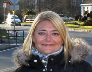 Head shot of travel writer Ana Astri-O'Reilly.