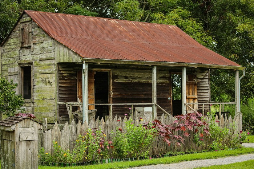 Slave cabin on Laura Plantation