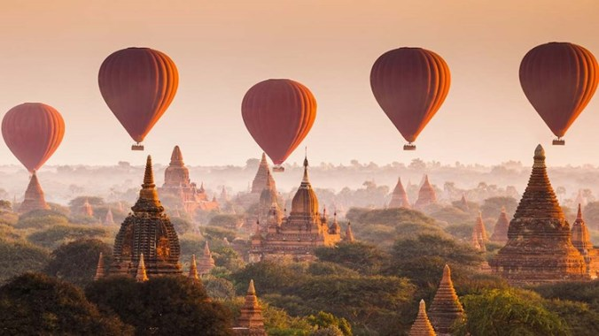myanmar-hot-air-ballon.jpg