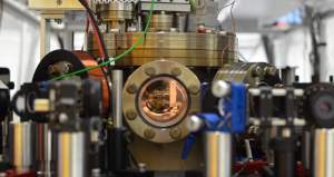 German Physicists Construct Heat Engine that Works on a Single Atom