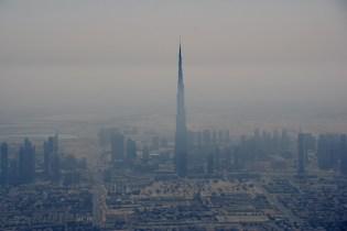 Le Burj Khalifa, 828m, dépasse les nuages !