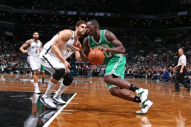 Brook Lopez covering Brandon Bass e1420713119670