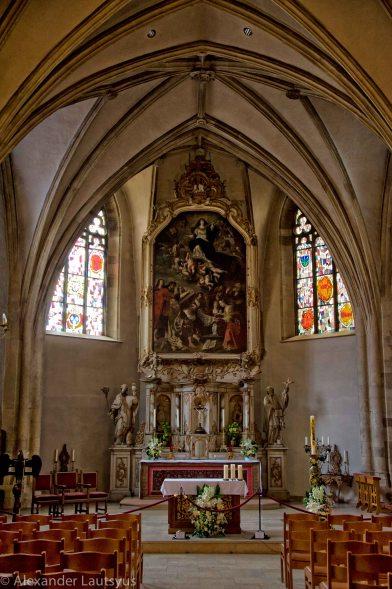 Алтарь в церкви Св. Михаила