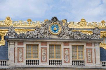 Часы над главным входом. Версальский Дворец.