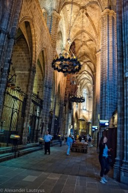 Галерея-пассаж собора Барселоны