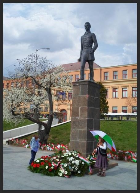 monument to national poet and hero Sándor Petőfi