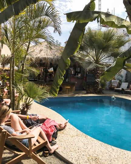 bananas adventure hostel huacachina peru