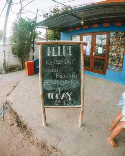 Gili Air Best Things to do: Trash Hero Beach Cleanup