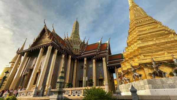Budget Friendly Things to do in Bangkok: Temple of the Emerald Buddah