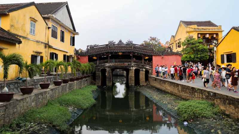 10 Cheap things to do in Hoi An: See the Japanese Covered Bridge