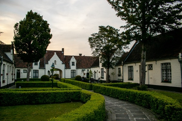 Cheap things to do in Bruges - Visit the Almshouses