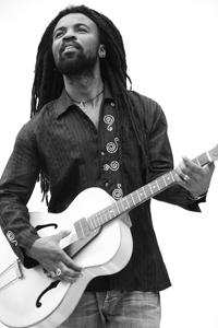 https://i2.wp.com/worldmusiccentral.org/wp-content/uploads/Rocky_Dawuni_2-3002.jpg