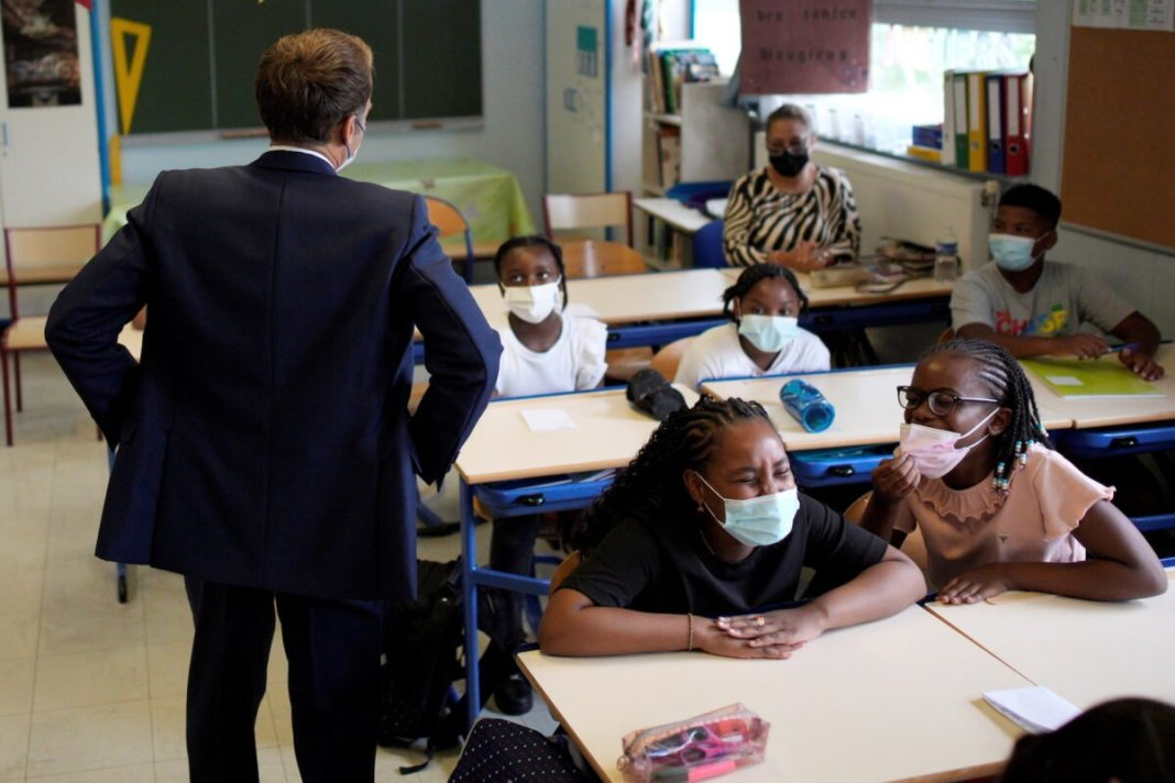 France will stop wearing mandatory masks for students in some schools
