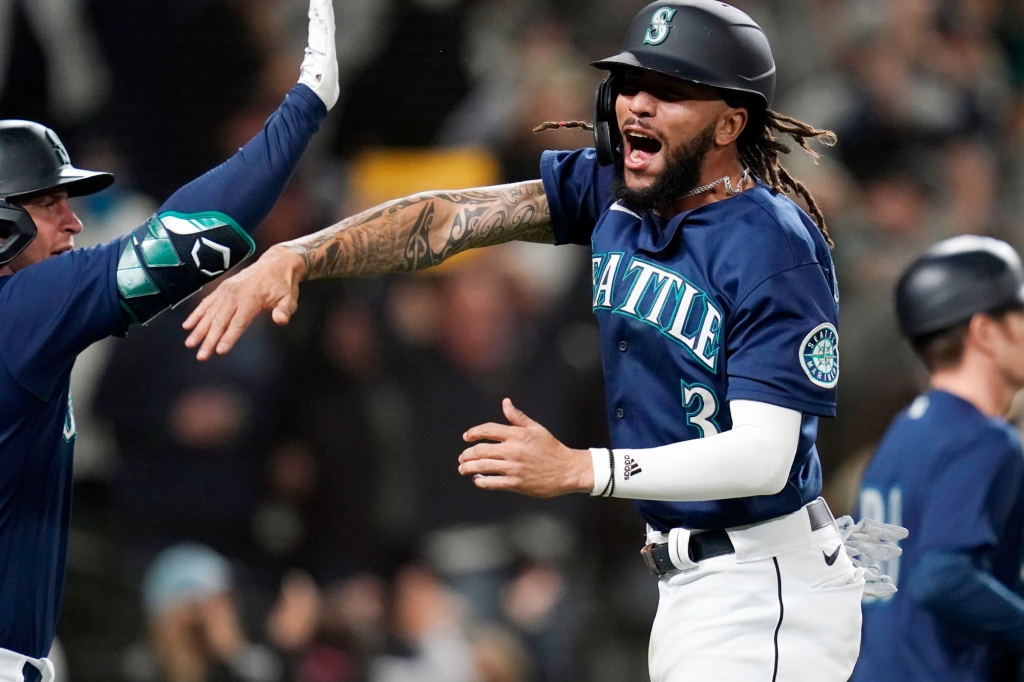 The Angels just fall short, allowing the Mariners to set playoff hopes for another day.