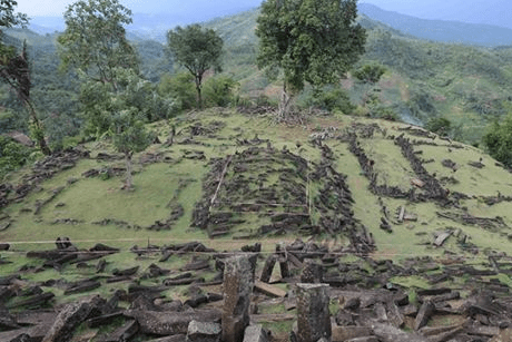 padang hindu dating site An indian ocean port: sources for the earlier history of barus  on the kingdom  of pannai, located at padang lawas in north central sumatra (89)  happened  at lobo tua to suggest a termination date at that site sometime between the.