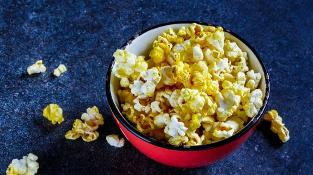 5 Easy Homemade Popcorn Recipes You Can Make For Movie Nights