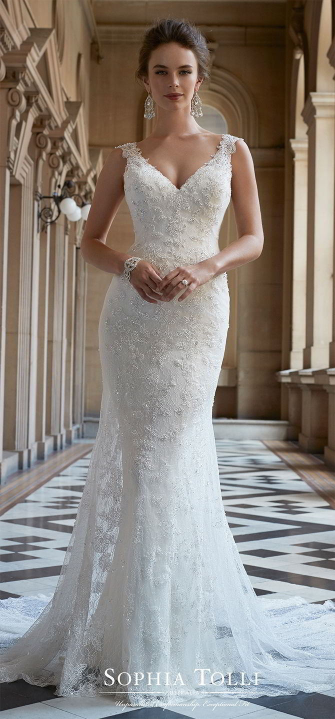 Soft And Embellished Lace Neckline Tulle And Dress Fit Sweetheart Flare Line Wedding