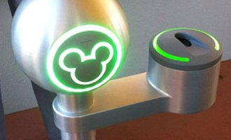 disney-finger-scan