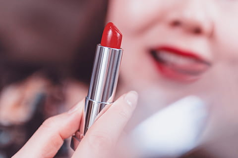 Buying lipstick online: 5 super things keep in mind online