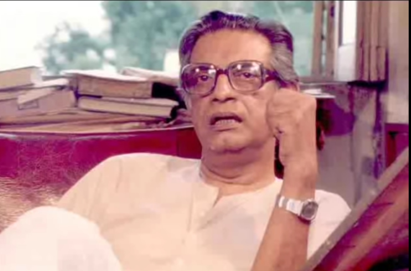 Satyajit Ray – The Great Filmmaker, Lifestyle and his Apu Triology