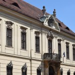Frontage with balcony12