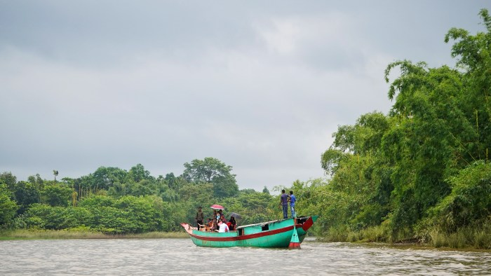 Boat to Bisnakandi - things to do in Sylhet