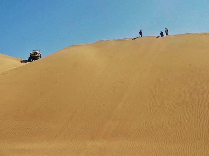 How to get to Huacachina Oasis from Lima