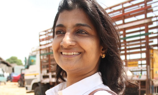 Nimmi Rangaswamy: Stories from India on mobile internet & Facebook use of slum youth; technology as a force for good; the access & (corporate) ethics of technology – The Human Show Podcast 7
