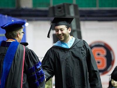 Syracuse Graduation 2020.Merit Based Scholarships At Syracuse University In Usa 2020 2021