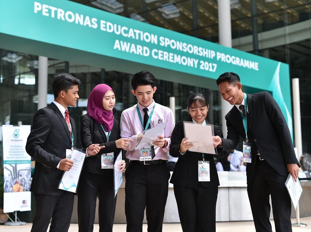 Program Sponsor Pendidikan Petronas Beasiswa Pesp 2020