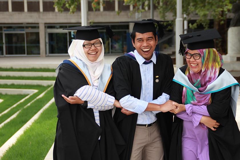 Australia Awards Scholarships for Indonesian Students