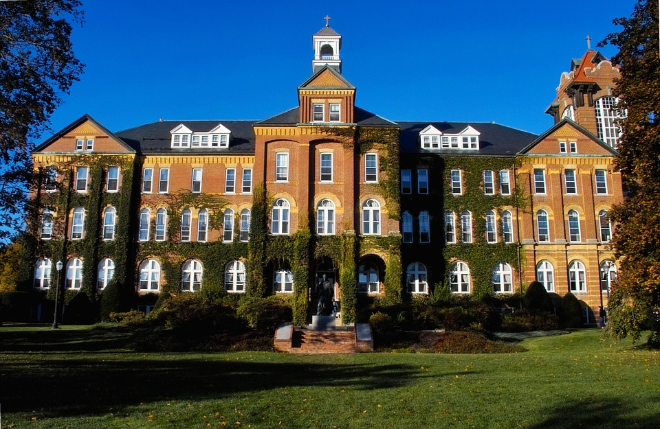 13 Best Catholic Colleges In The World