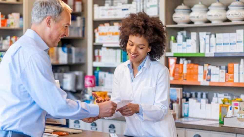 Easiest Pharmacy Schools to Get Into In 2020 | Expert Guide