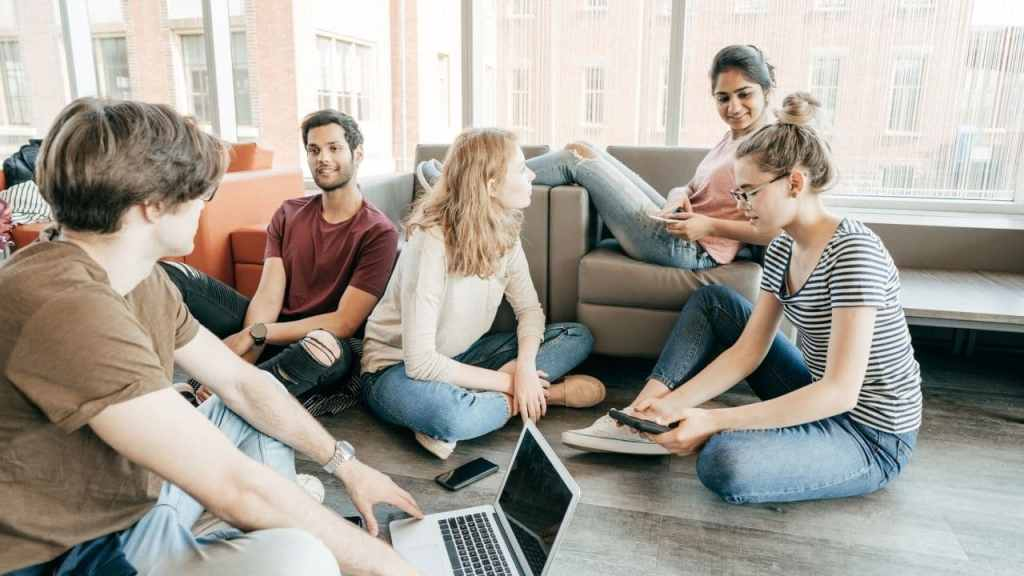 Mejores programas universitarios en línea en Ontario | Certificado, costo