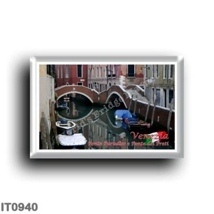 IT0940 Europe - Italy - Venice - Ponte Paradiso and Ponte dei Preti