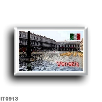 IT0913 Europe - Italy - Venice - Piazza San Marco - Acqua Alta