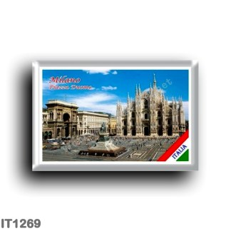 IT1269 Europe - Italy - Lombardy - Milan - Piazza Duomo Today