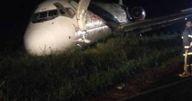 Over 100 Cheats Death As Dana Aircraft Overshoots Runway In Port Harcourt