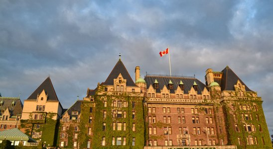 Victoria Attractions - The iconic Empress Hotel
