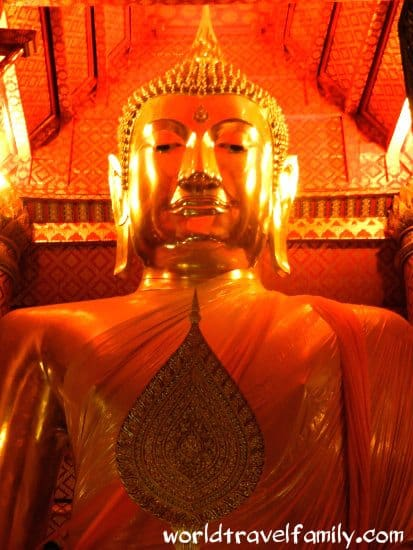 Travel blog Ayutthaya, Thailand.Huge golden Buddha . Things to do ayutthaya
