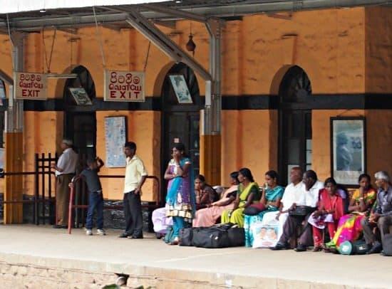 train travel sri lanka blog. Ella to Kandy train.