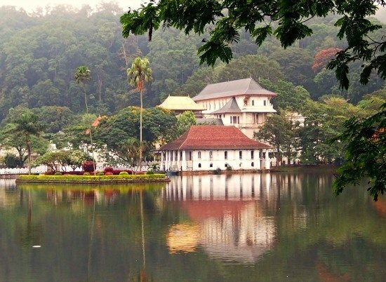 Best Places to Visit Sri Lanka. Kandy Temple of the tooth