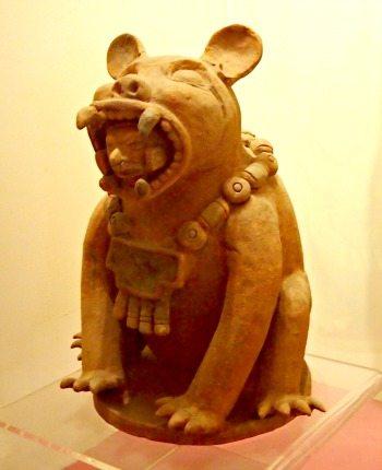 Resons to Visit El Salvador. Museum San Salvador