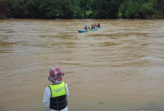 Kayaking Nam Song river Vang Vieng